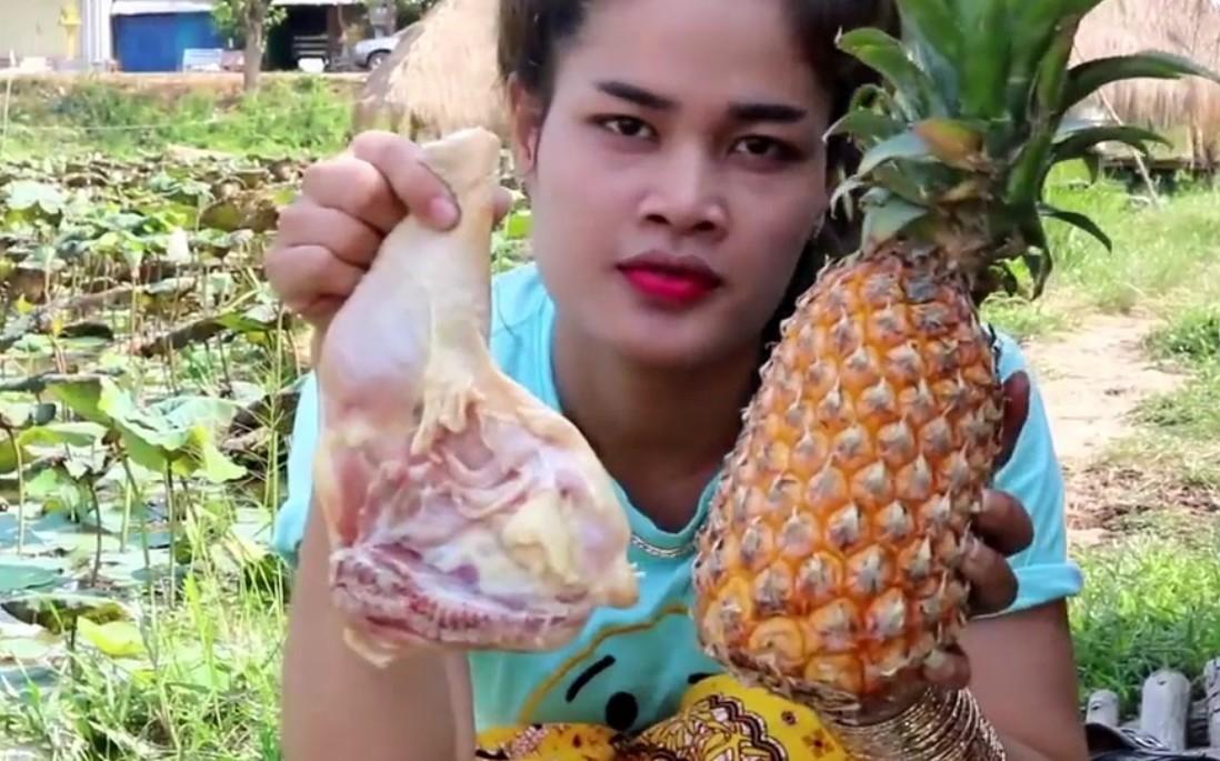 享受泰国乡间美食,菠萝烤鸡